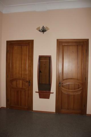 Старый корпус, входы в номера